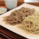 """蕎麥面""""蕎麥麵條的房子 oomori""""的吃中在同一時間口味比較兩個物種的蕎麥"""