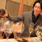 """""""掛包酒精品""""小野和他的妻子邀請我房子新 2014 年"""
