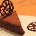 """不太甜的豐富性、與手工巧克力""""巧克力原料蛋撻""""和""""生巧克力松露""""情人節快樂 !"""