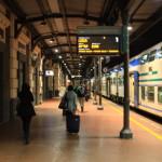 它介紹了如何騎,如何買票意大利的鐵路距離佛羅倫薩中央車站列車