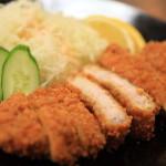 「味喜屋 みきや」精肉店に併設した肉料理店のリーズナブルな定食