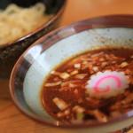 「響き屋」のコシのある太麺でつけ汁のバリエーションを楽しむつけ麺