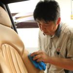 「マセラティ浜松」にてマセラティ3200GTのシートコーティングのメンテナンス
