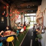 """與""""公園/ING 停車""""的概念公園咖啡廳午餐會議"""