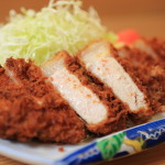"""Pleasant"" tonkatsu Ray foot imposing 45 years、Pork tonkatsu just eight seats and fin set"