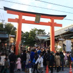 快樂新的一年五祠諏訪神社在新的一年的神社和平祈禱新的一年襲擊