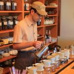 自家焙煎珈琲屋「コスモスコーヒー」で挽きたて珈琲豆と美味しいケーキを手土産に
