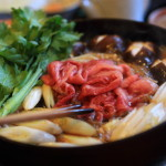 "Home ""dining peaks"" in the new year greetings、Enclose the Sukiyaki, a time of family togetherness"