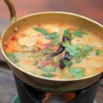 「トムヤムクン」タイ料理を代表するトムヤムクンが名物のオープンテラスのレストラン