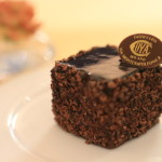 "Orthodox sect Sachertorte, Milan long-established Café ""COVA-Cova"" traditional recipe (closed)"