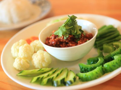"""Spirited charge in Thailand cooking Chef """"Rattana"""" home Chiang Mai"""