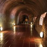 「ワット・ウモーン」街の喧騒から離れ森の中にある神秘的な洞窟の寺院