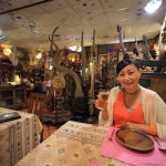 "Northern Thailand dishes ""fun pen"" antique-style restaurant"