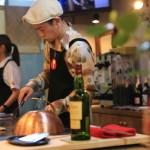 Centre Mall in new open teppan-yaki Atsumi nostalgia of pork grilled