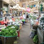 """什麼是最大的花卉市場,""""公園克隆市場""""以下50年以上曼谷"""