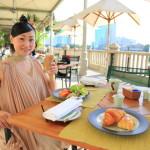 「ザ・ペニンシュラ・バンコク」優雅にリバーサウドテラスでブッフェ形式の朝食