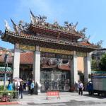 """台北最古老的寺廟拜功率點""""龍山寺""""道教和佛教的神首屈一指台北"""