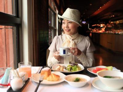 "Breakfast at the ""Grand Victoria Hotel"" in the elegant five-star hotel restaurant ""la FESTA"""