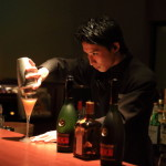 """""""隆魏""""休息室""""箱根""""秋天的夜晚享受年輕的酒保出生!"""