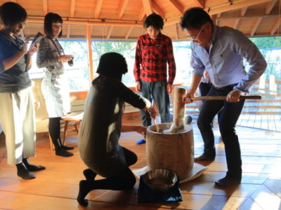 """The year-end party from the """" rice cake with Meeting 2015 """" in Hase House of class architect """" Hase Moriyasu architectural planning """""""