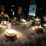 """臺北打開 """"Toh-A'桌藏"""" 法國餐廳配的台灣菜表的店鋪名稱"""