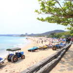 Let's go by taxi to Kenting is a surf spot blessed with white sand sea of Taiwan 's southernmost !