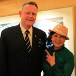 「シャーウッド台北」の「怡園」にて日本伝統工芸品の松井機業「しけ絹」贈呈!