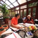 「シャーウッド台北」朝食会場「TOSCANA」にてGOLF雑誌の名編集長とミーティング