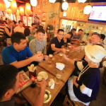 九州地區雞菜資本尚志在有樂町農場新鮮食品城是很受歡迎的外國人。