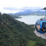 非常漂亮的景色!您可以在日月潭全景索道從空中看到的美麗的湛藍色的湖泊!