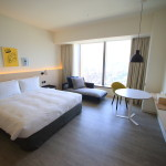 """顯示""""Amba 臺北松山""""變化豐富,有一個美麗的房間"""