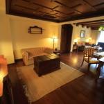 「Promisedland 花蓮理想大地渡假飯店」アンティークで重厚感のあるスイートルーム