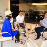 「レクサス富山」品川グループ社長と牛島屋の武内さんと富山活性化について語らう
