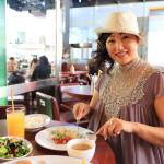 在咖啡廳酒吧的東京遊說自助休閒午餐。