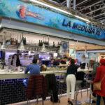 在市場在 La 水母73當地人喜歡烤麵包與新鮮的海鮮專長和靜脈!